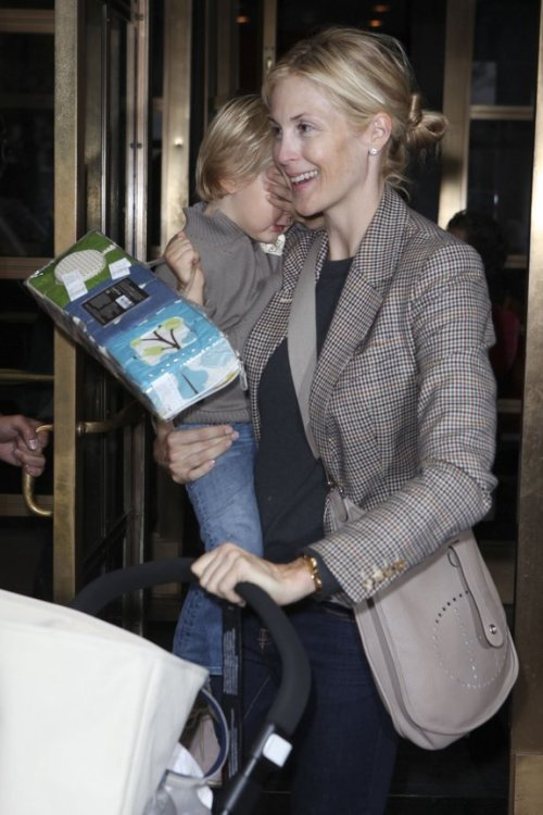 Kelly Rutherford loves hers!
